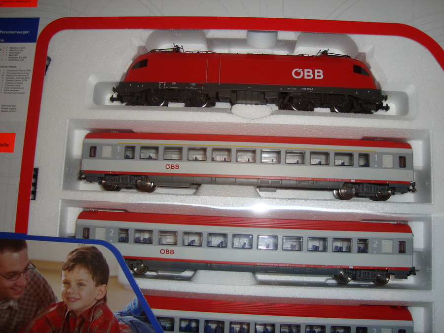 tartovac set h0 osobn vlak s lokomot vou taurus obb. Black Bedroom Furniture Sets. Home Design Ideas
